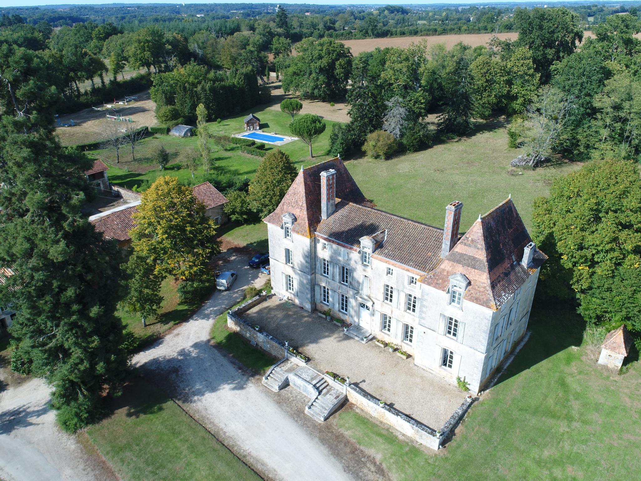 maison villa vente france m tres carr s 553 dans le domaine de charente ref 9224